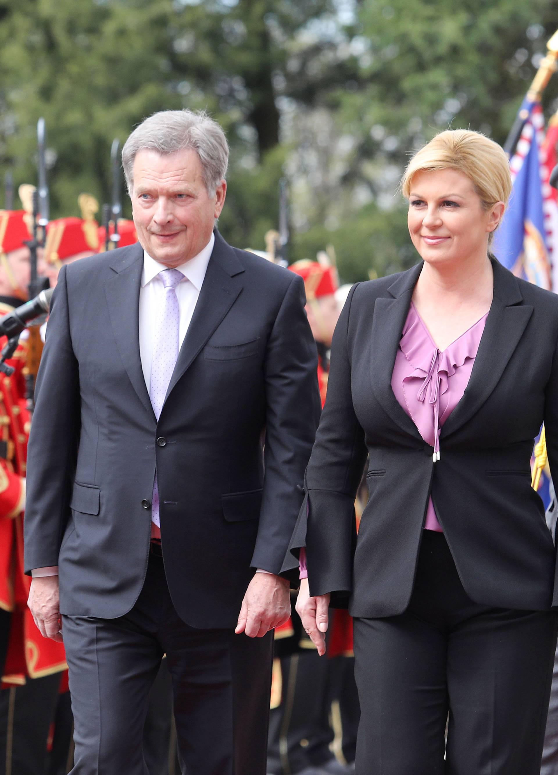 Putovao kao i svi: Predsjednik Finske išao kući jeftinim letom