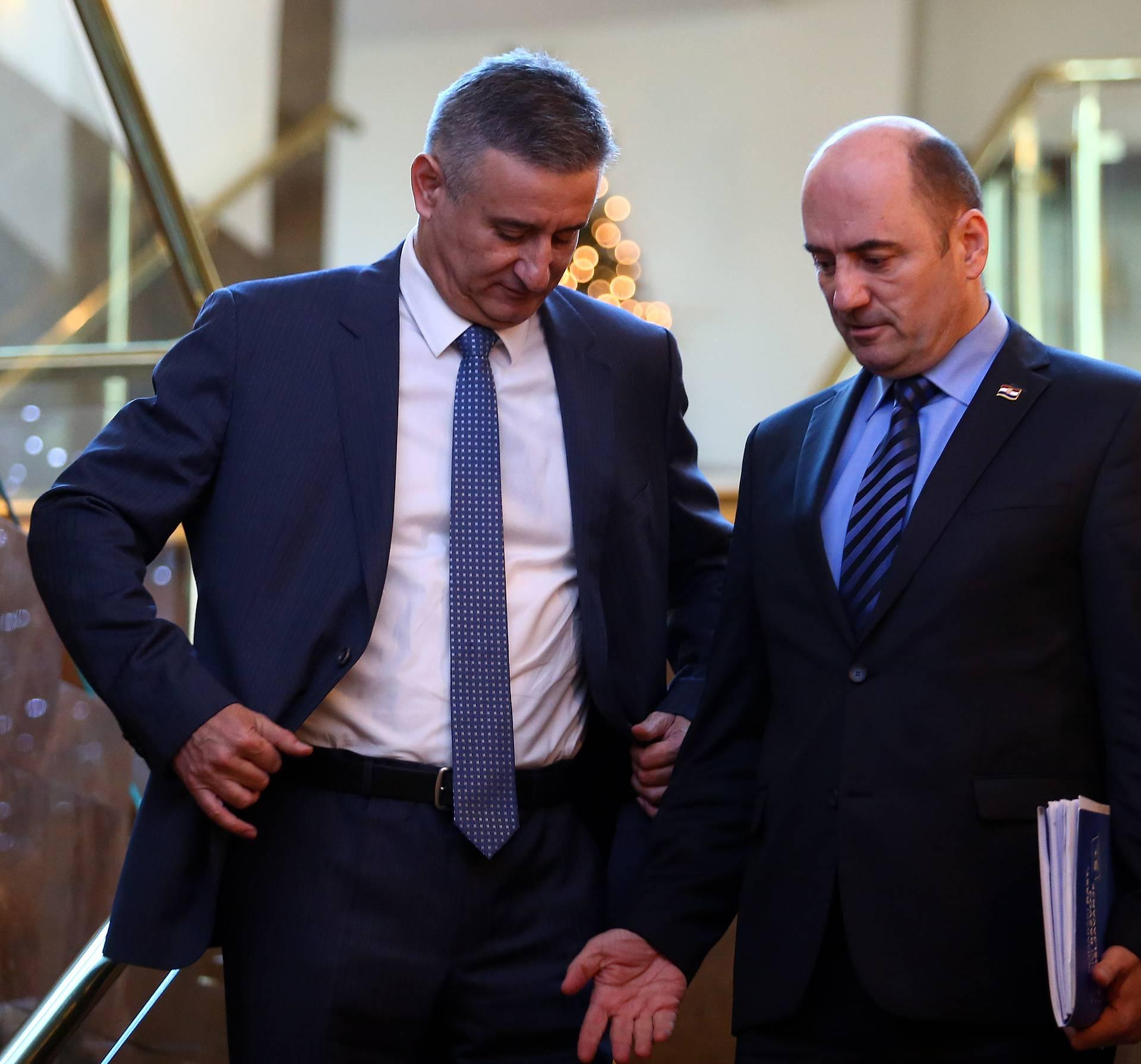 Brkić tražio od Karamarka da odstupi: Spasi stranku i Vladu