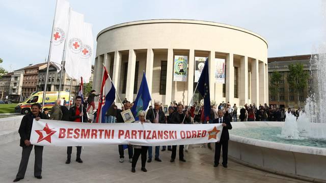 Zagreb: U središtu grada održan je mimohod Besmrtni partizanski odred