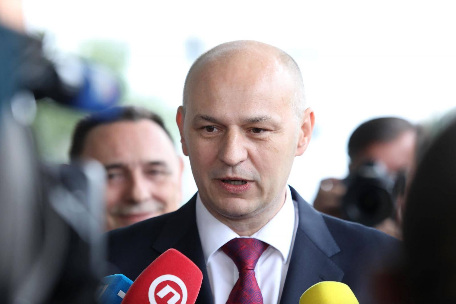'U EP ću biti kratko, a onda ću postati hrvatski predsjednik...'