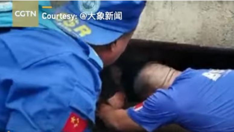 Iz ruševina zgrade u Kini spasili bebu staru tri mjeseca: Majka ju išla spašavati, ali je poginula...