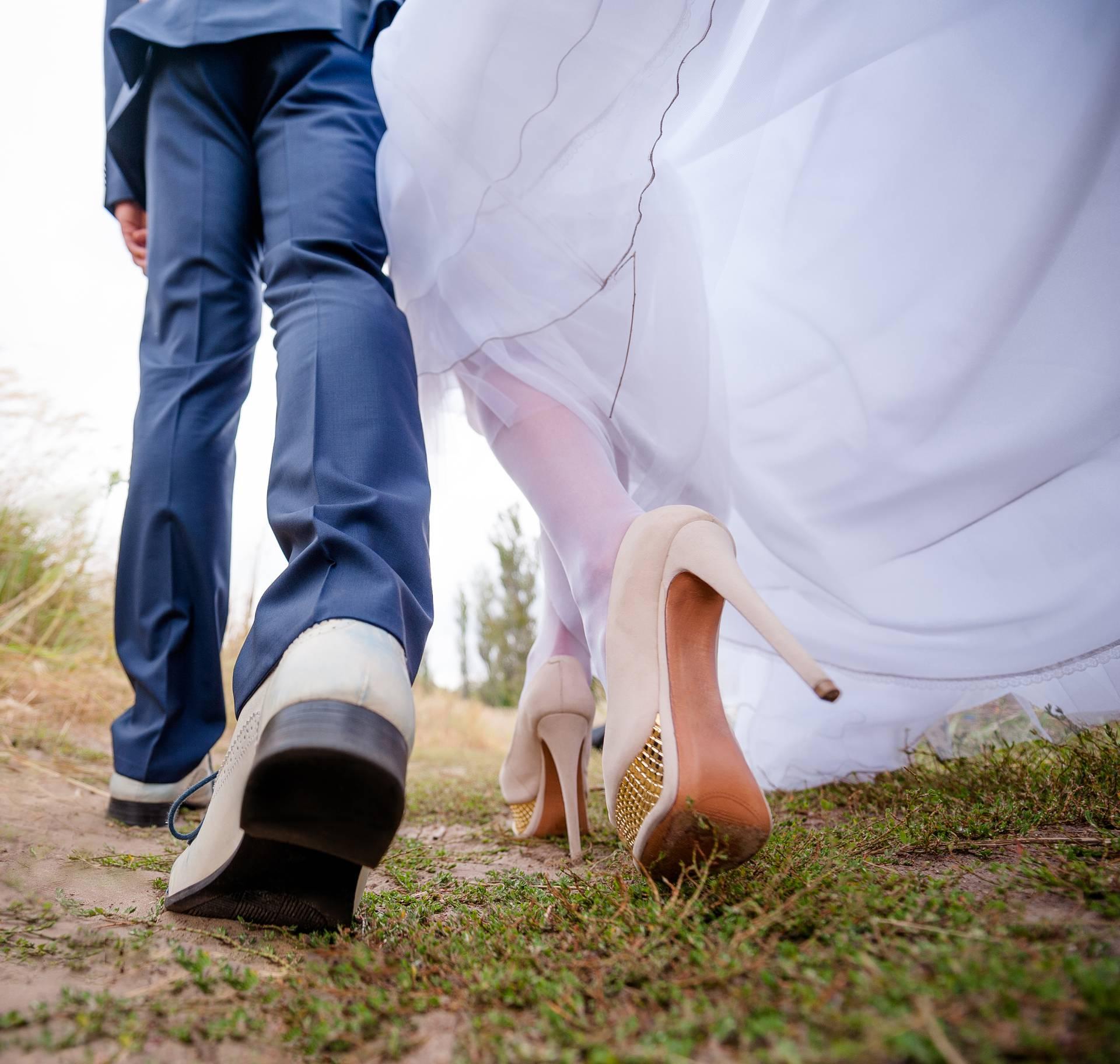 Razlozi zašto ljudi sve kasnije ulaze u brak ili ga uopće ne žele