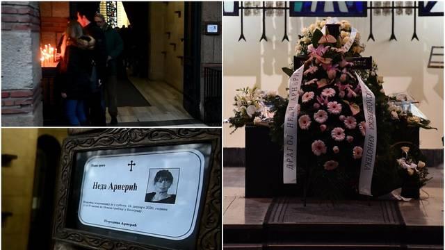 Tuga na beogradskom groblju: Oprostili su se od Nede Arnerić