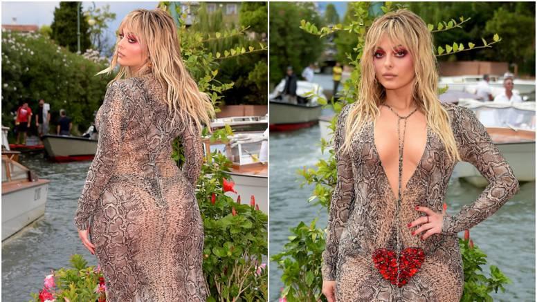 Pjevačica Bebe Rexha istaknula atribute u pripijenoj prozirnoj haljini pa podignula prašinu