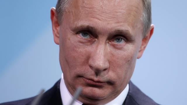 Merkel receives Putin