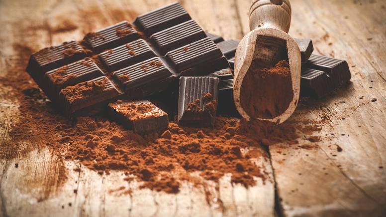 11 mitova o čokoladi koji nikad nisu bili točni  - uzrokuje akne