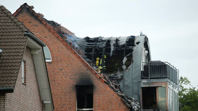 Plane crashes into a residential building in Wesel