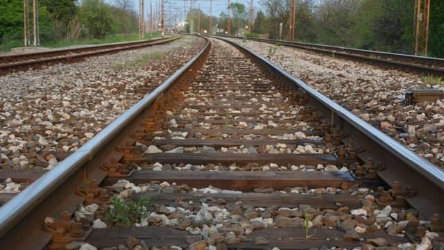 Strašna nesreća kod Zaprešića, jedan mrtav u naletu vlaka...