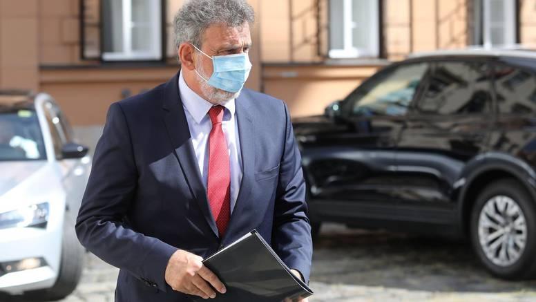 Fuchs je u samoizolaciji: Vozaču ministarstva potvrdili koronu