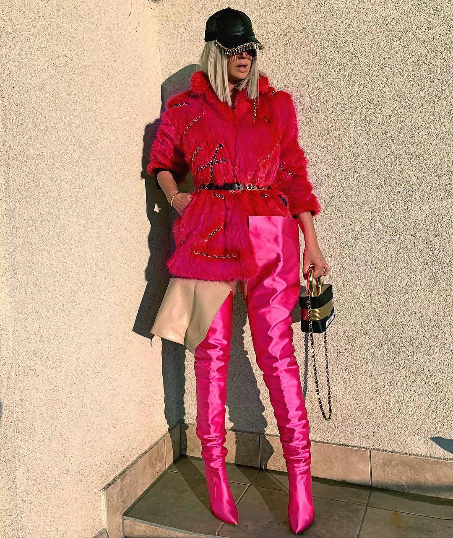 Karleuša u minijaturnoj haljini istaknula noge: 'Premršava si'