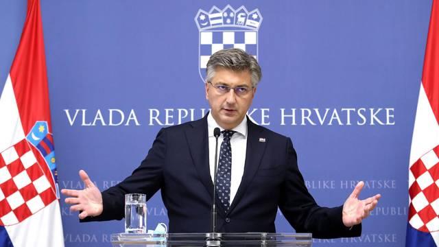 Zagreb: Andrej Plenković dao izjavu medijima nakon sjednice Znanstvenog savjeta