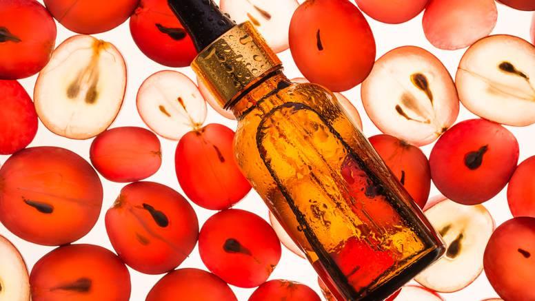 Ulje sjemenki grožđa popularan je anti-age sastojak hit seruma