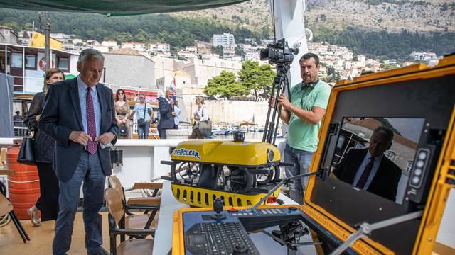 U Dubrovniku predstavili prvog autonomnog robota u svijetu za prikupljanje otpada iz mora
