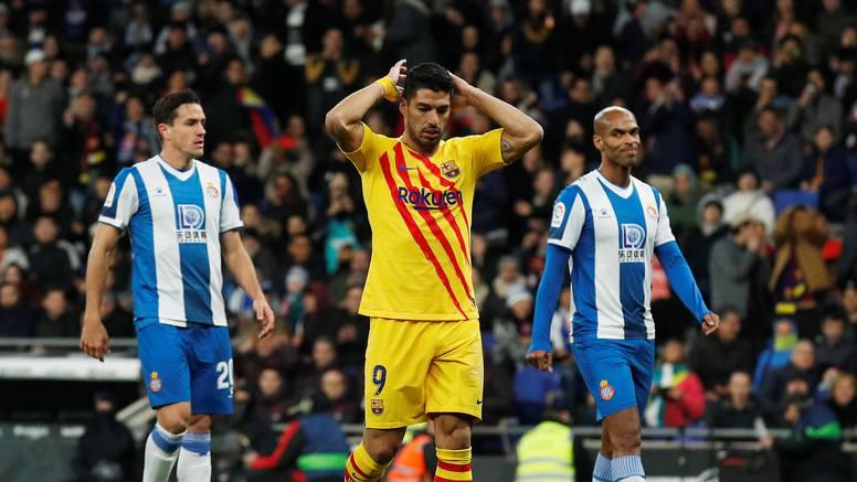 Problemi za Barcu: Suarez out četiri mjeseca, operirao koljeno
