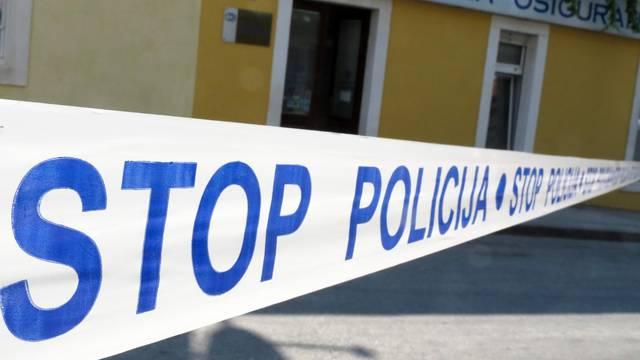 U mjestu Selišće Sunjsko vozač autom udario 79- godišnjaka...
