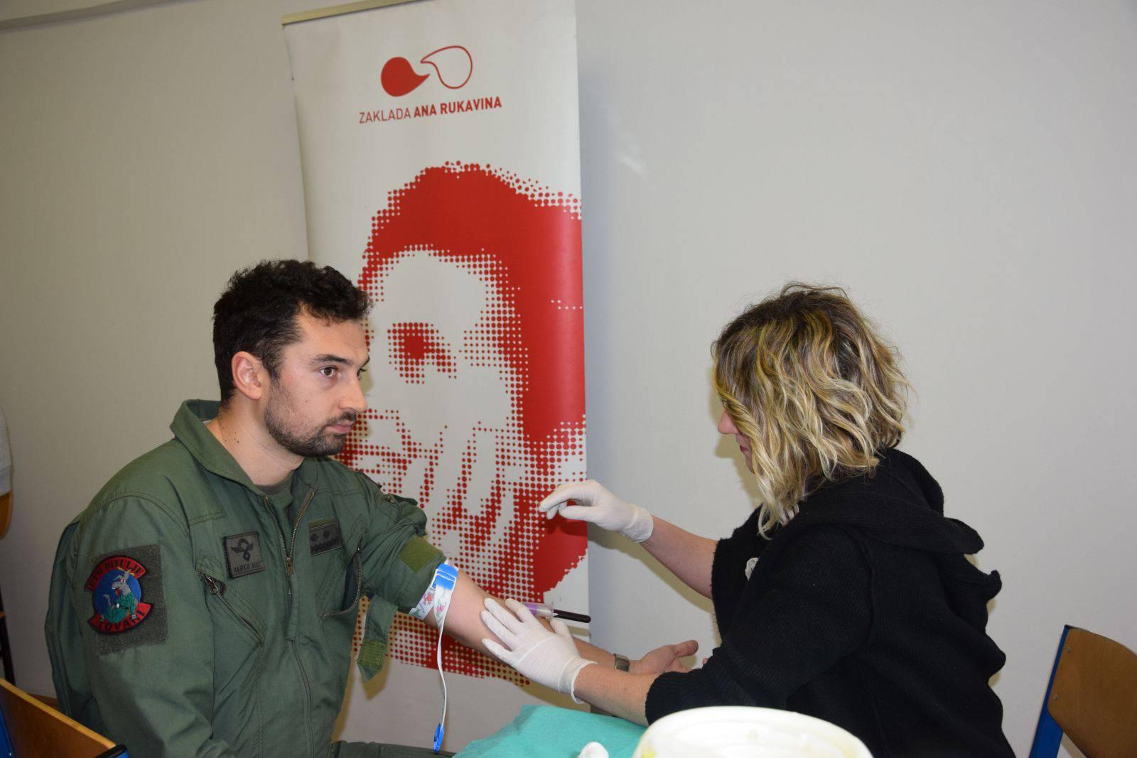Pripadnici HV-a uključili se u akciju zaklade 'Ana  Rukavina'