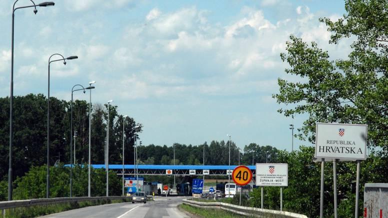 Pet ljudi strpali u teretno vozilo pa ih pokušali prokrijumčariti iz BiH u Hrvatsku: Privedeni  su