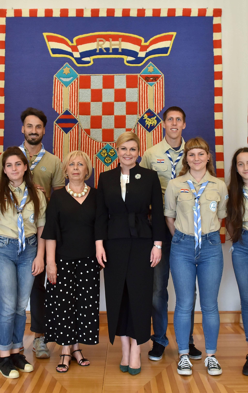Predsjednica Grabar-Kitarović primila je djecu iz Srebrenice