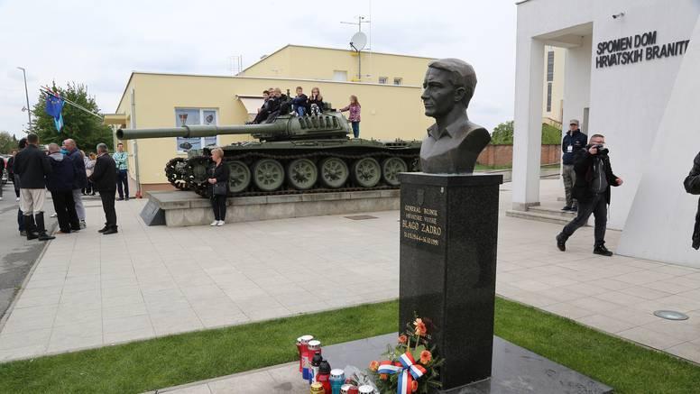 Vukovar dobio novo spomen obilježje za poginule branitelje