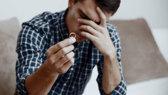 Razvedeni bloger sad podučava druge da budu što bolji muževi