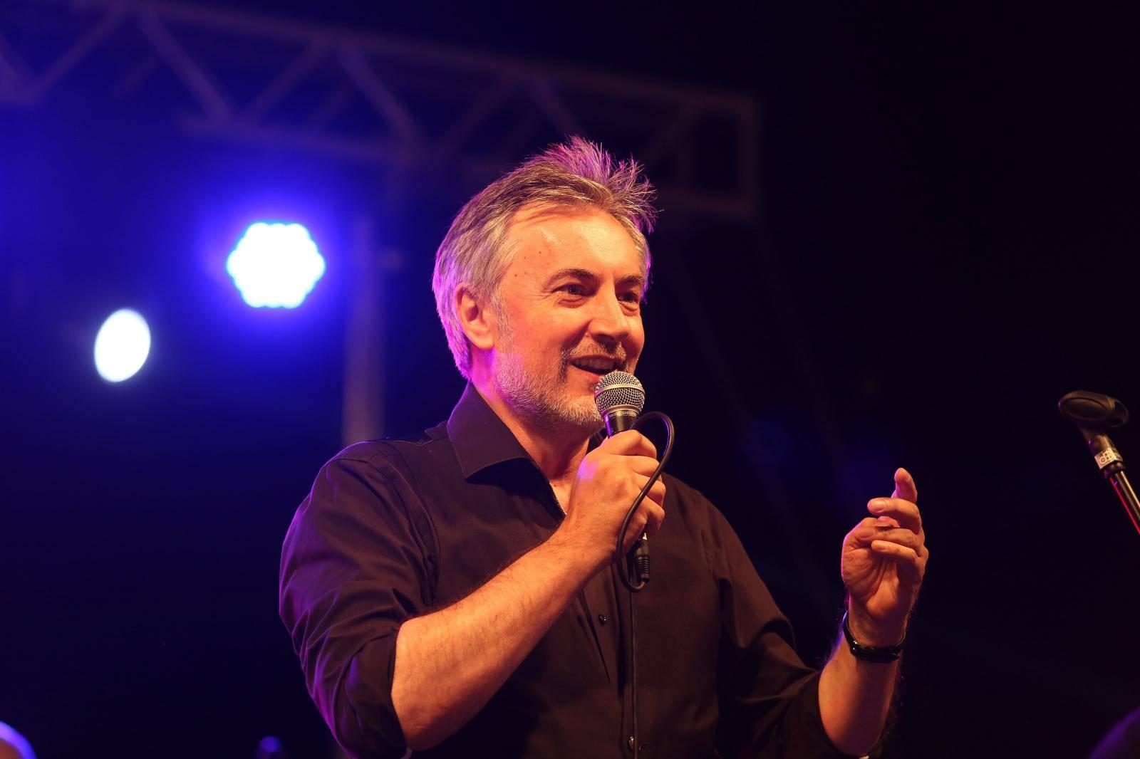 Baška: Predsjednički kandidat Miroslav Škoro održao koncert povodom Dana općine