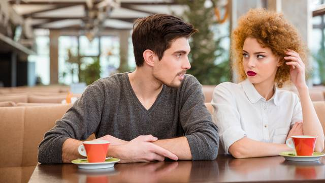 Kako prepoznati da vam netko laže? Promatrajte govor tijela