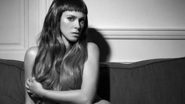 Provokativno izdanje: Natali Dizdar pozirala potpuno gola