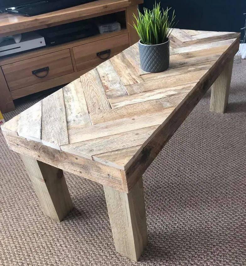 Uradi sam: Žena je od starih paleta napravila savršeni stolić