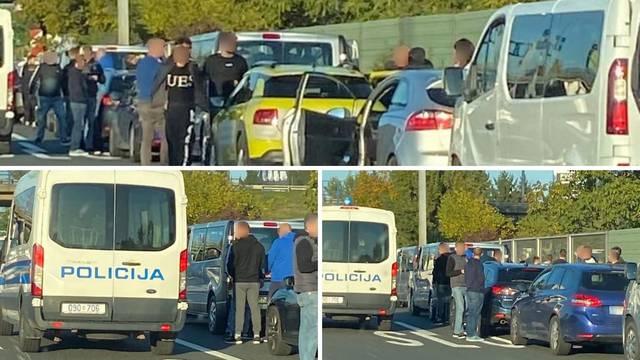 Opsada na Lučkom: Policija pretresa auta iz Rijeke i Pule
