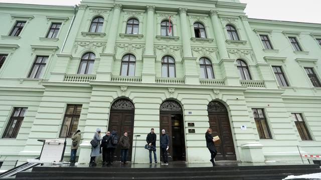 Traga se za čovjekom koji je lažno dojavio o bombi na Županijskom sudu u Osijeku