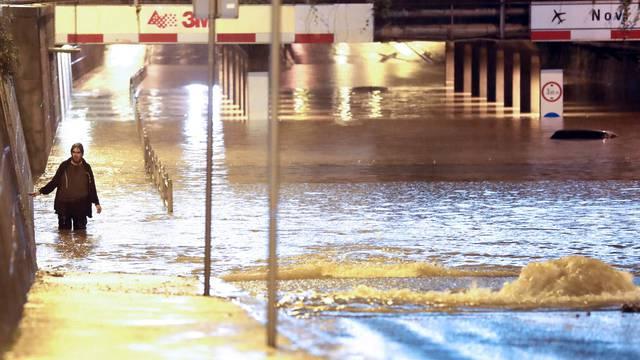 Jutro nakon poplave u Zagrebu: Saniraju Miramarsku ulicu