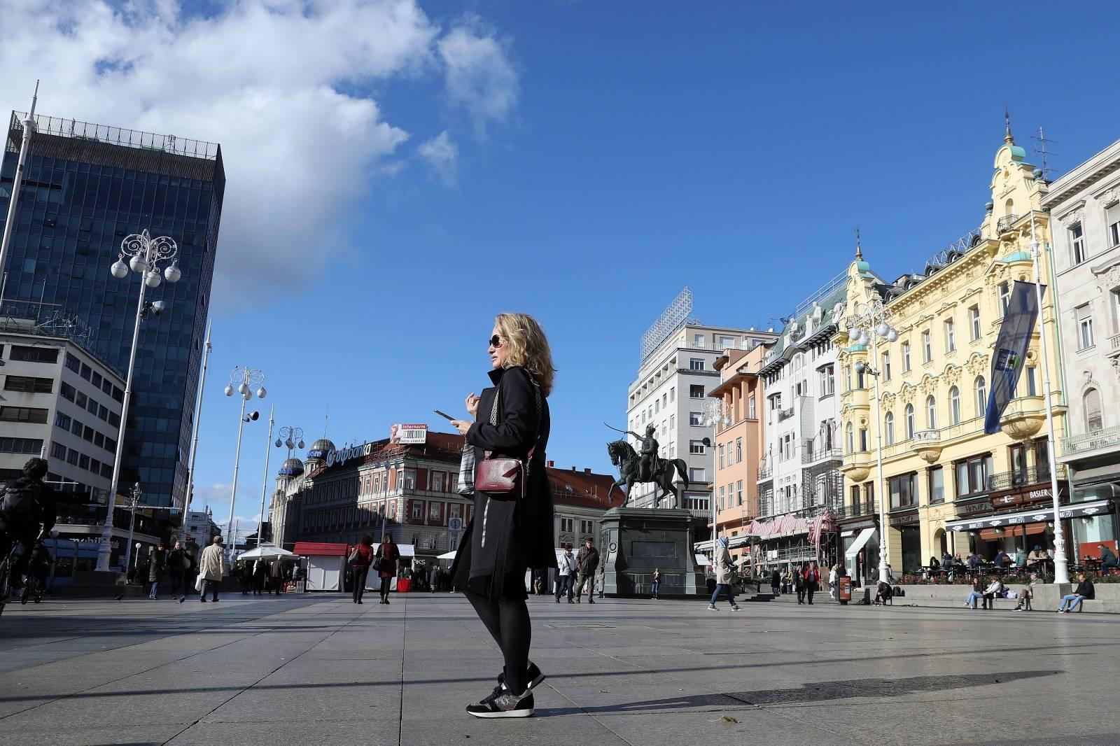 Sunčan jesenski dan u centru Zagreba