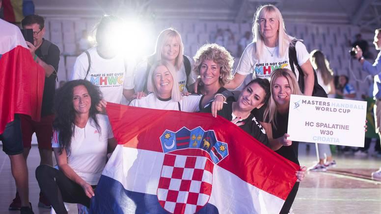 U Omišu otvoren Svjetski kup rukometnih veterana, stiglo više od 800 natjecatelja...