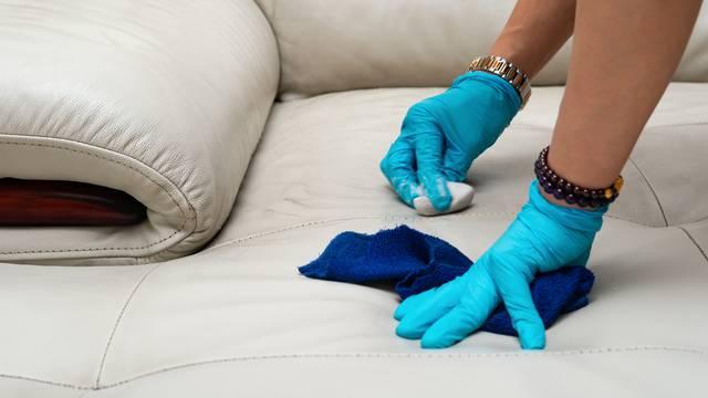 Očistite i obnovite oštećenu kožnu garnituru brzo i lagano