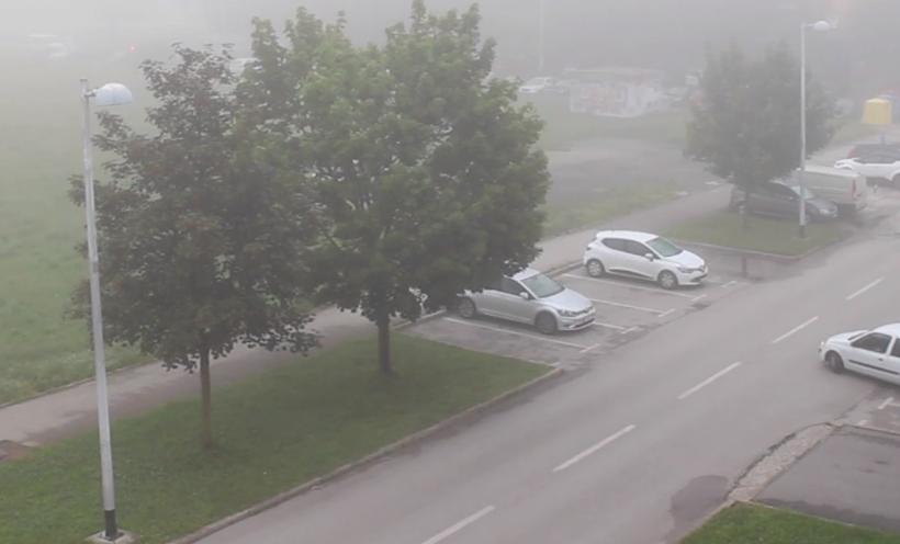 Nakon obilne kiše Zagreb se probudio obavijen maglom