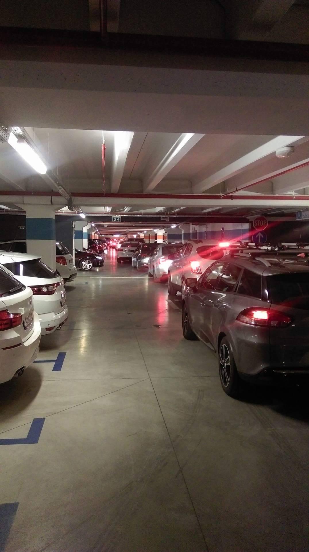 Mall of Split: Auti su zagradili garažu, ljudi satima ne izlaze