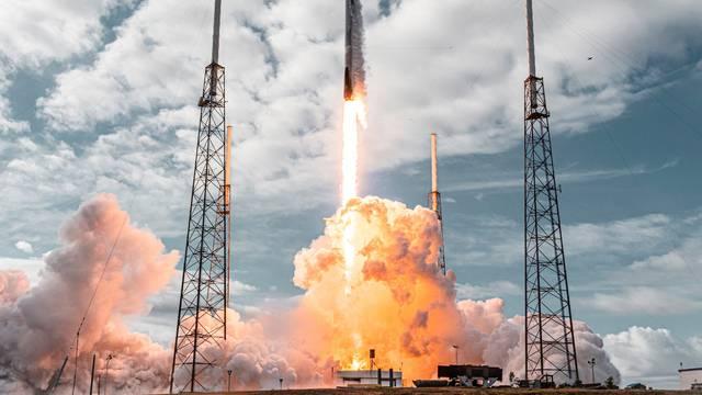 Musk niže rekorde: Na jednoj raketi lansirali su 143 satelita