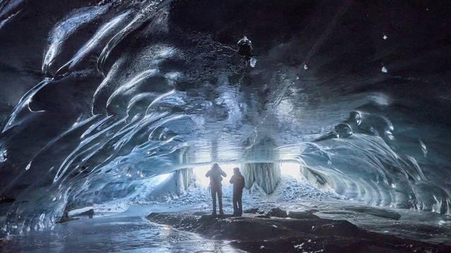 Ledena katedrala u švicarskim Alpama: Špilja koja oduševljava