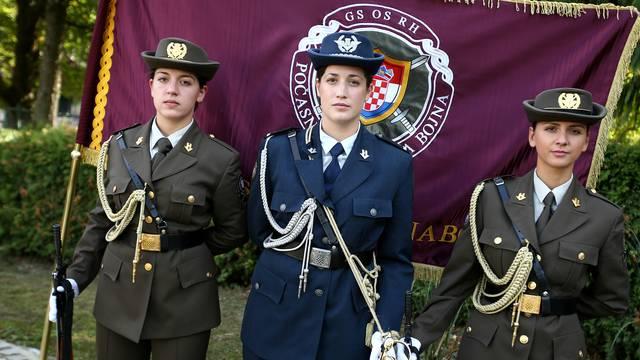 Kolindina garda: Tri vojnikinje prve žene u Počasnoj satniji