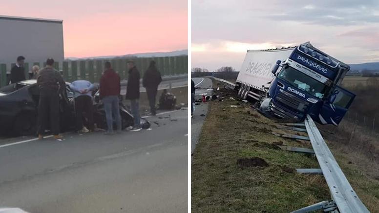 Stravičan sudar kod Sl. Broda: Auto je uništen, kamion sletio