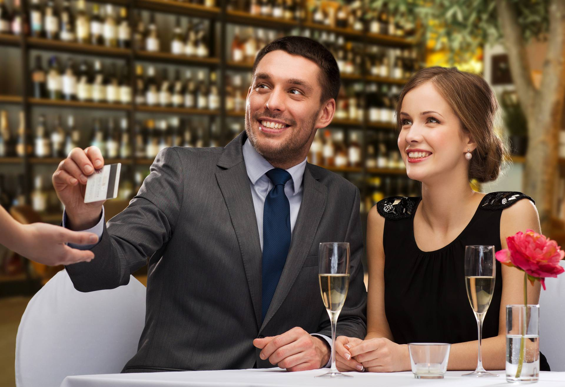 Cro karticu možemo i sami uzeti pa uštedjeti pri plaćanju usluga u turizmu i u restoranima