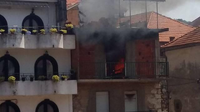 'Sve sam im zapalija, nek ide u p.m.': Baki i djedu uništio kuću