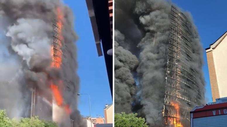 Veliki požar progutao neboder u Milanu, ostao je samo 'kostur'