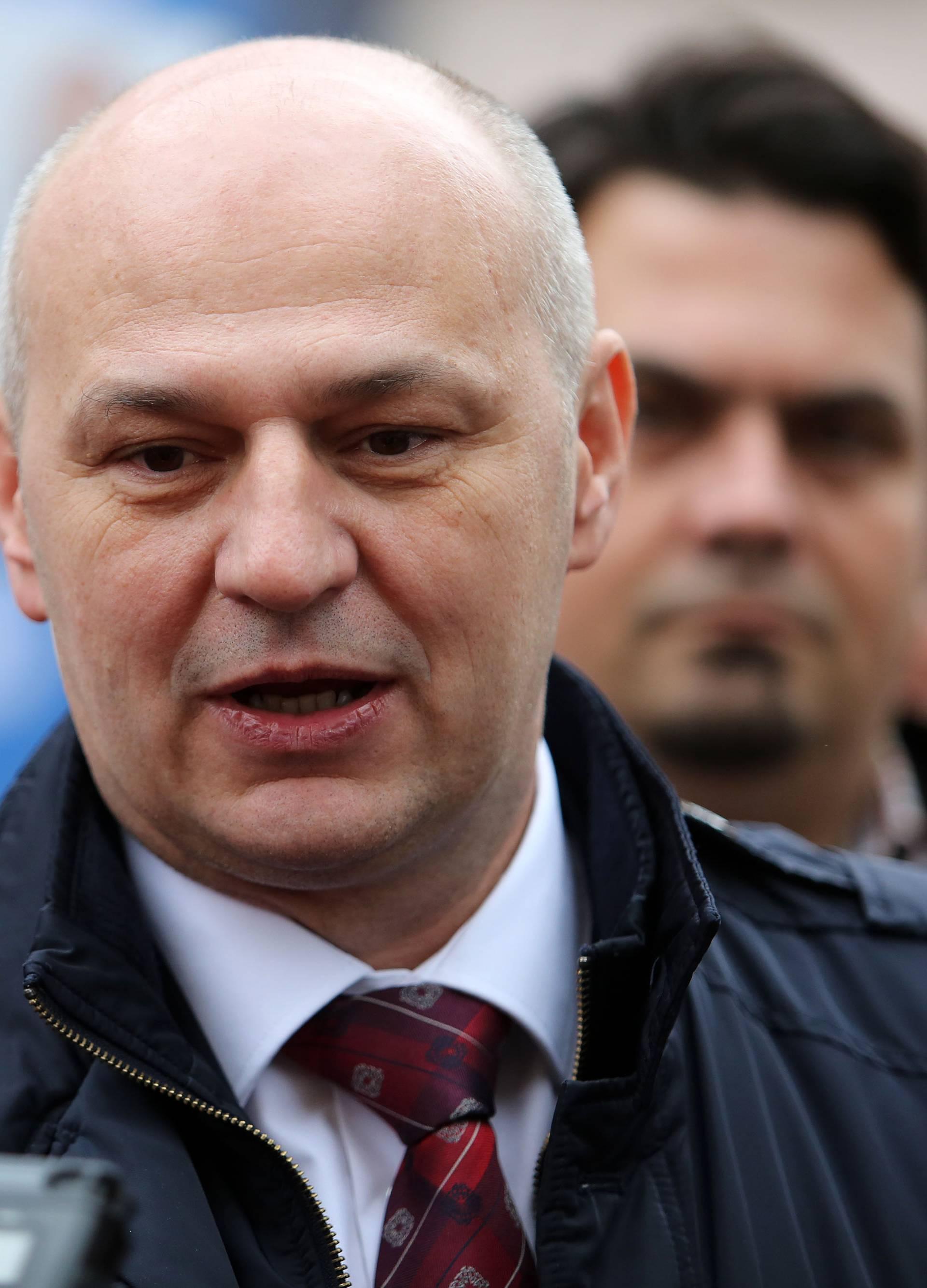 Predsjednički kandidat Mislav Kolakušić posjetio je građane Rijeke