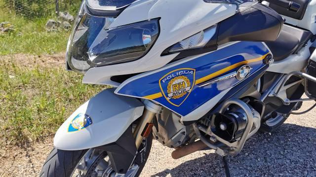 Kamion na Cresu nepropisno pretjecao i ubio motociklista