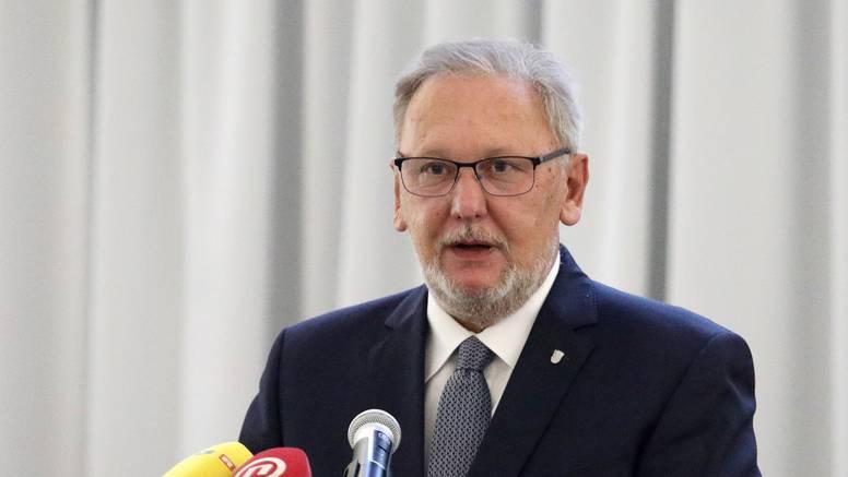 Božinović: Ne planiramo uvesti Covid potvrde u škole i državne institucije, pratimo trendove