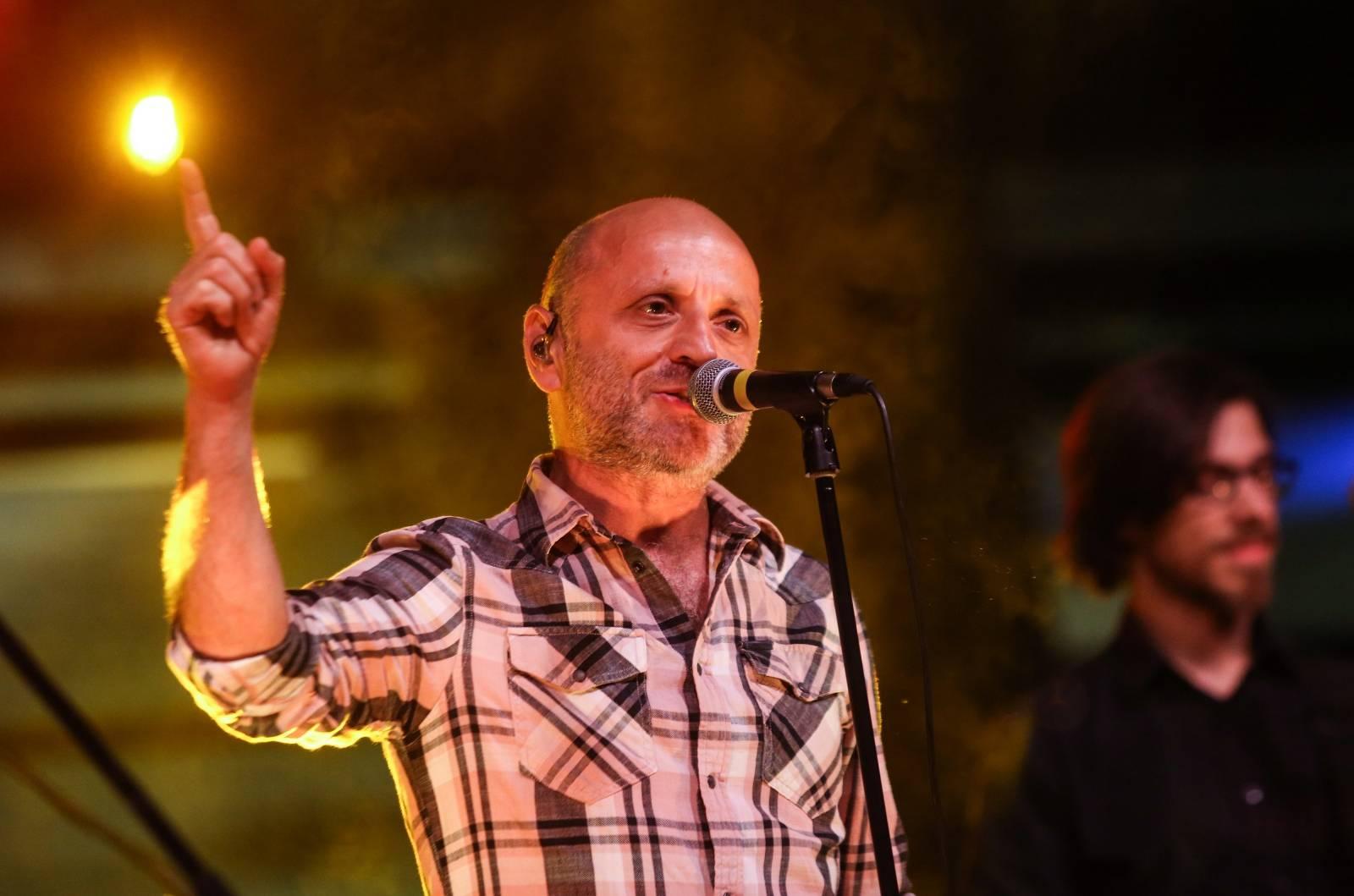 Zagreb: Mile Kekin održao koncert u Muzeju suvremene umjetnosti