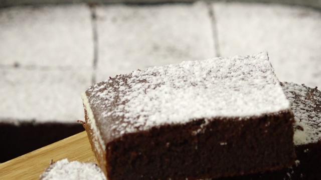 Čokoladna fantazija - sočni brownie sa Staropramen pivom