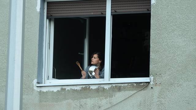Zagreb: Građani stvarali buku na svojim prozorima prosvjedujući protiv Milana Bandića