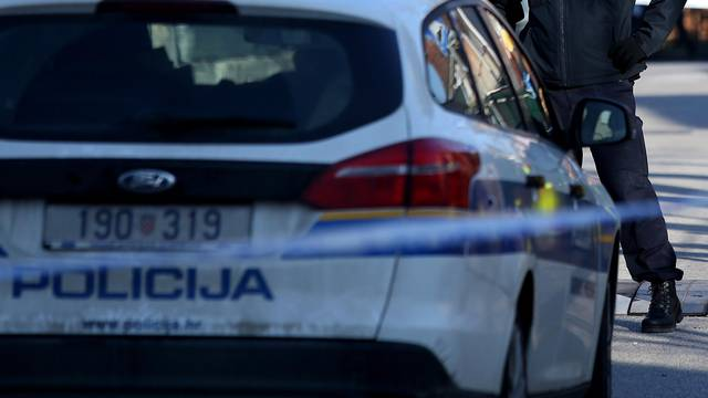 Izvlačio stablo: U prevrtanju traktora poginuo 60-godišnjak